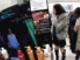 【廃盤】私服姿の綺麗なお姉さんのスカートの中身を鬼畜撮り part.52【ガチ撮り】